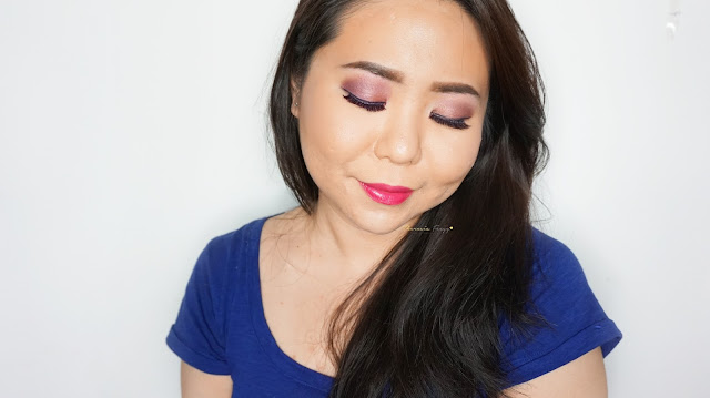 soft smokey rosegold eye look for daily wear with urban decay naked 3 palette with a beautiful berry lipstick from maybelline, a soft pink colored eyeshadow for a beginner or for everyday look. Natural and sweet look for daily makeup for a girly girl.