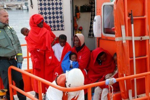 Fallecen 4 migrantes que trataban de llegar a España en patera