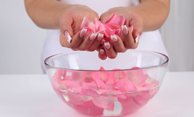 benefits-of-rose-water