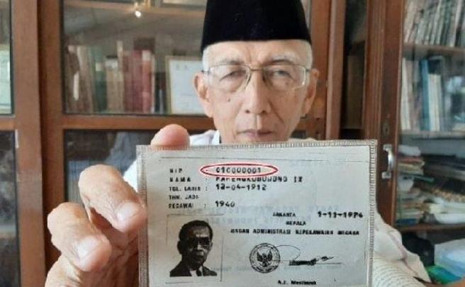 Sosok PNS Pertama di Indonesia, Pemilik NIP 010000001