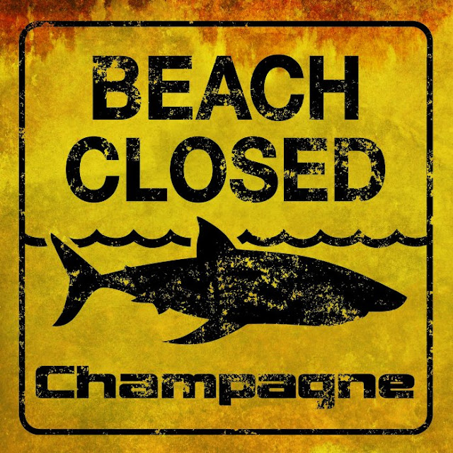 CHAMPAGNE - Beach closed 1