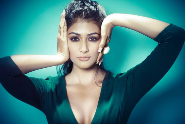 Pujahegdhe Bra Size: {Best} Pooja Hegde Hot Images And Photos