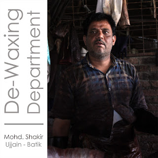 De-waxing department artisan for Kosher Designs LLP