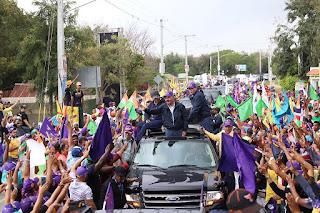 Montecristeños abarrotan las calles para respaldar a Danilo Medina