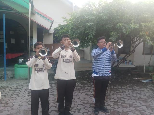 Ajarkan Kedisiplinan Dan Kerjasama Di Drumband