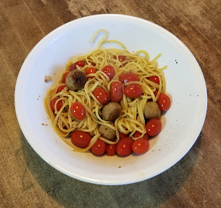 Pasta with Sauteed Tomatoes and Meatballs