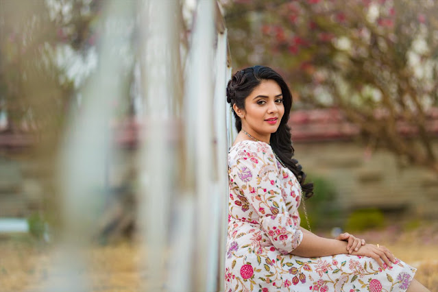 Anchor Sreemukhi Latest Hot Photoshoot Pics Actress Trend