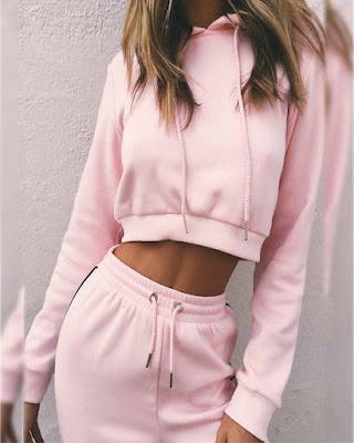 outfit de dos piezas deportivo rosa