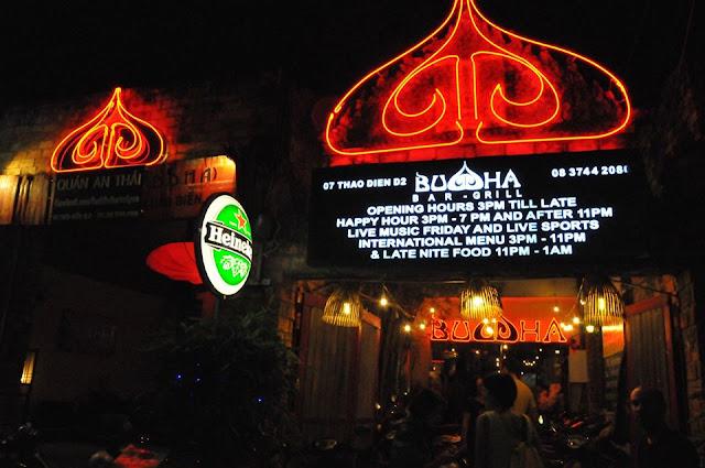 Lợi dụng tên tuổi, uy tín của Đức Phật để mở quán bar ăn chơi Buddha Bar và Grill