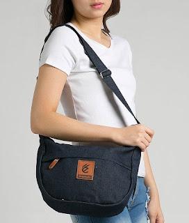 tas wanita dengan model terbaru dan branded saat ini apa?