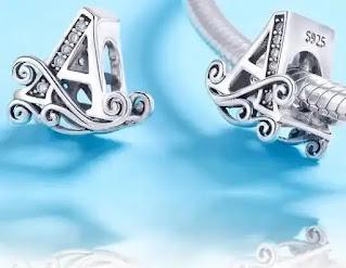 Pareri Talisman din argint cu Litera A din Poveste