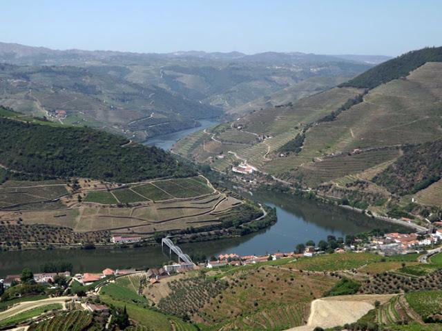 paisagem de um dos Miradouros do Vale do Douro