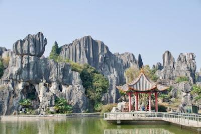 berlibur ke kunming china