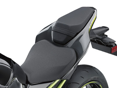 All New 2017 Kawasaki Z900 ABS seat image