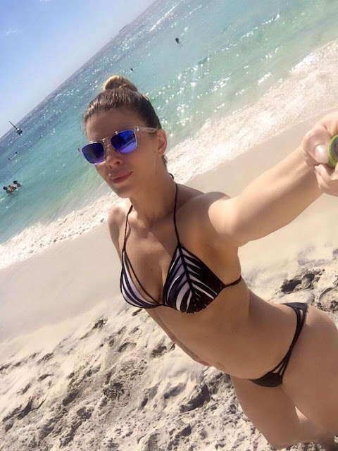 Tatijana shows the Bikini