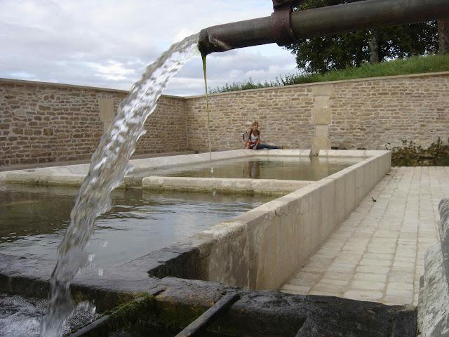 GENDREY : Fontaine d'Embrun