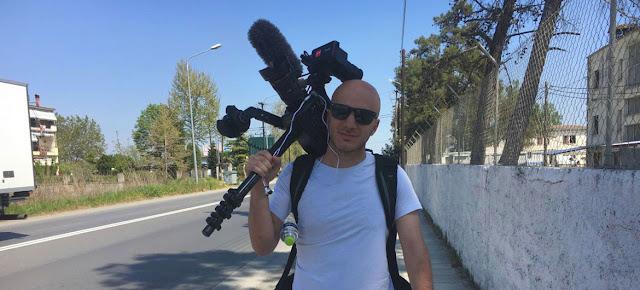 Hassan Akad es un reconocido cineasta sirio y estuvo empleado como trabajador de limpieza durante la pandemia de COVID en Londres.© Hassan Akkad