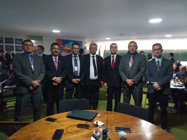 Comitiva da Anaspra se reúne com presidente do Senado e pede votação de projetos da categoria