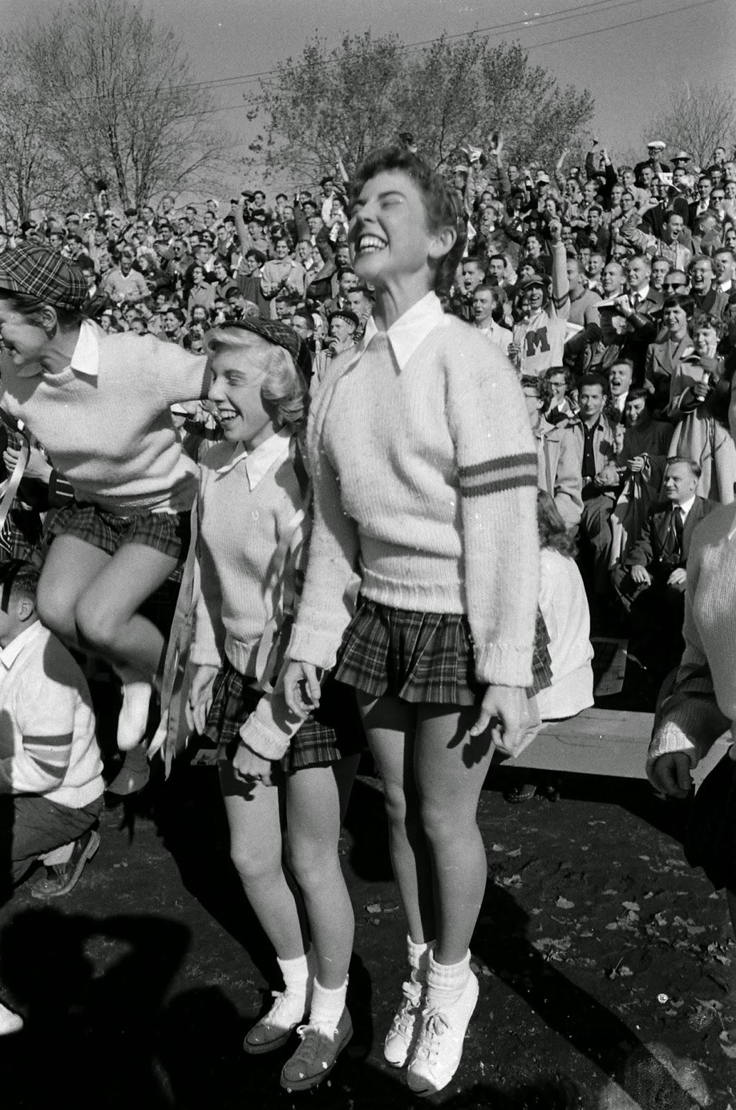 Vintage Cheerleader Porn