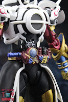 S.H. Figuarts Kamen Rider Evol Black Hole Form (Phase 4) 07