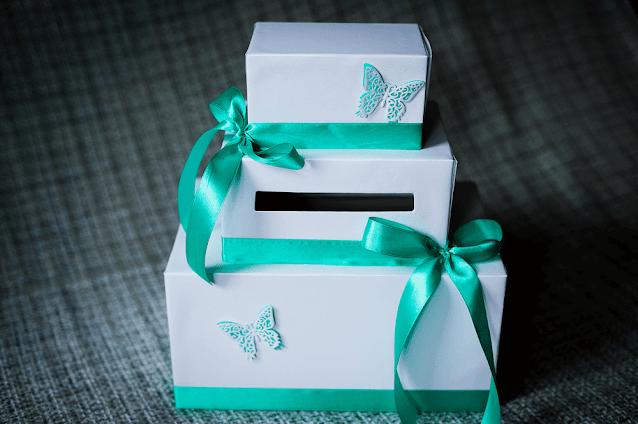 Custom Gift Boxes for Displaying and Delivering Classy Candle Holders