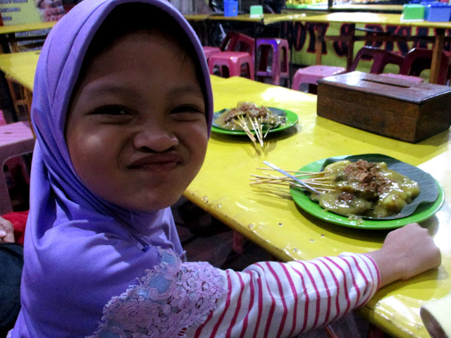 Sate Padang... no, it's not our favorite!