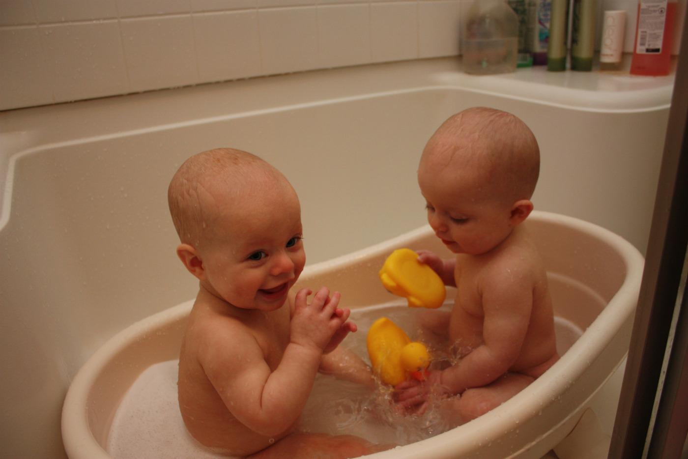 Outstanding Bathing Baby In Bathtub Illustration
