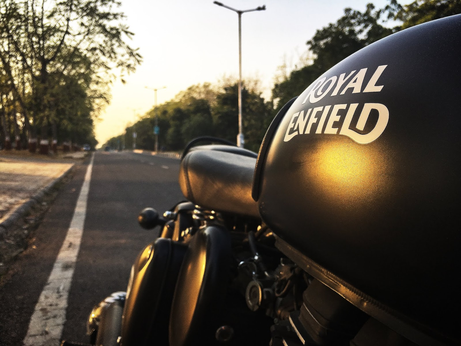 Royal Enfield Classis 500 Thump Of An Indian Heart