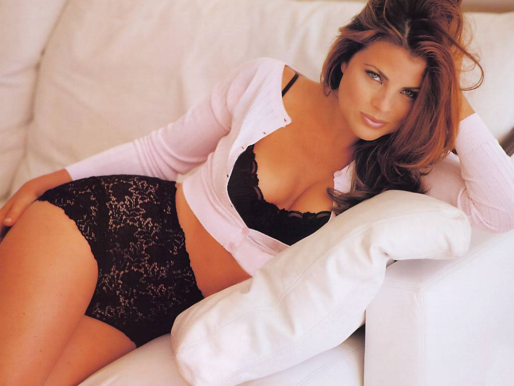 Yasmine Bleeth Sexy 35