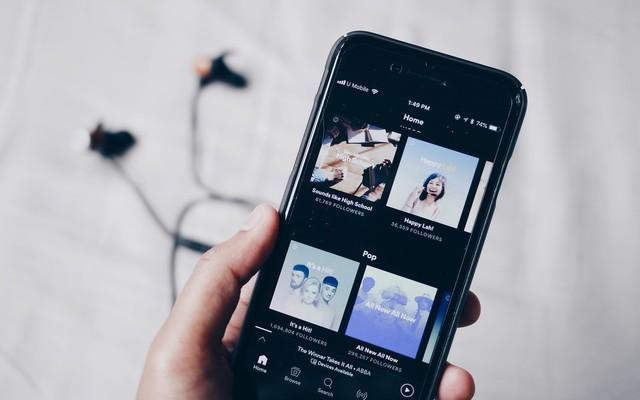 ما هو مقدار البيانات التي تستهلكها تطبيقات بث الموسيقى في هاتفك