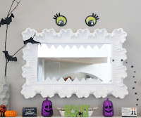 http://www.akailochiclife.com/2015/10/decorate-it-halloween-mantel.html