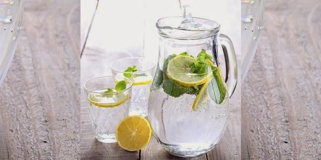 5 Manfaat Lemon Water Untuk Ibu Hamil dan Efek Sampingnya
