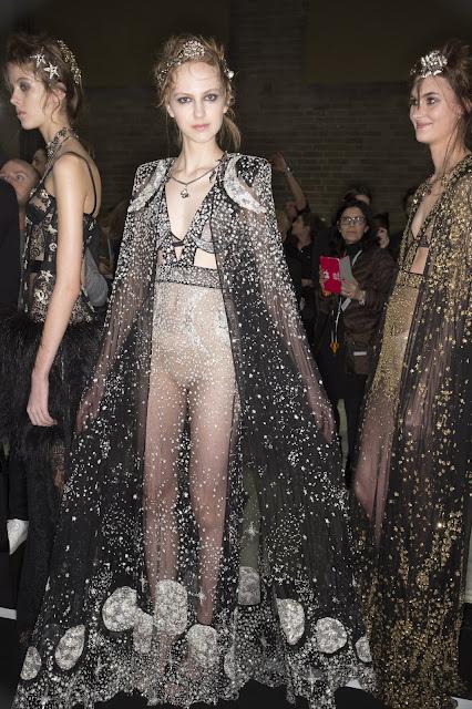 fashion moon moon in fashion galactic fashion50 anni sbarco primo uomo sulla luna moda lunare fashion lunare mariafelicia magno fashion blogger colorblock by felym Pierre Cardin