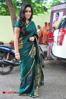 Actress Poorna Latest Pictures in Green Saree at SR Fashion Studio Launch  0010.jpg