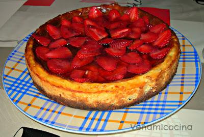 Cheesecake con carpaccio de fresas