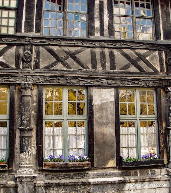 Aître Saint Maclou, Rouen, França