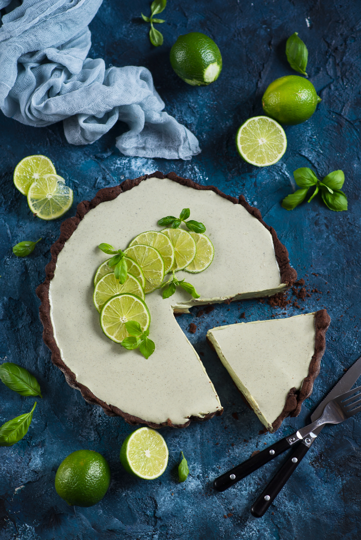 Tarta sernikowa o smaku zielonej herbaty (matcha) z limonką