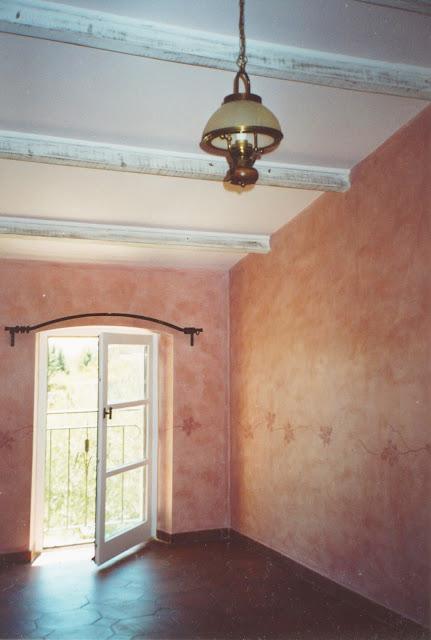 chaux, patine, frise, décoration, rose, chambre d'hôtes, poutres