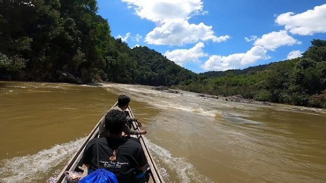 Foto Mengarungi Sungai Subayang Kampar Kiri Hulu