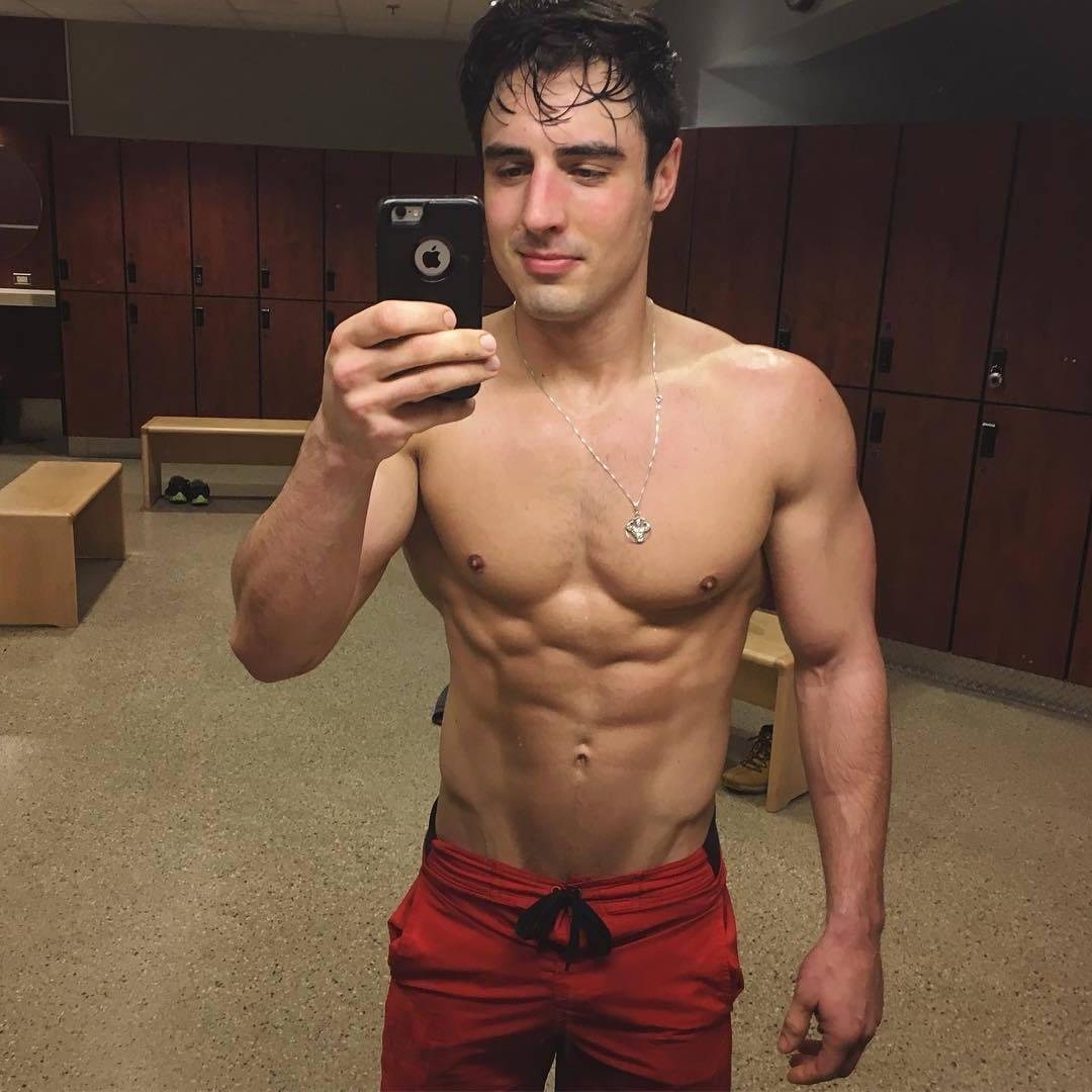 handsome-shirtless-seductive-american-muscle-hunk-rob-monroe-locker-room-selfie