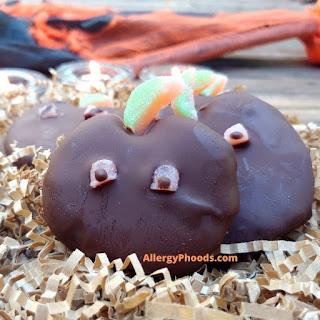 pumpkin Halloween chocolate treats