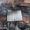 Inacreditável: Bíblia resiste ao fogo do incêndio que destruiu o comercial tem tem em Floriano e é encontrada intacta