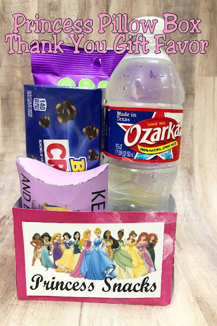 Enjoy a fun family movie night or movie at your Princess party with this easy Princess Movie Snack Box printable.  Fill with popcorn, treats, and a drink for the perfect addition to your Princess movie night.
