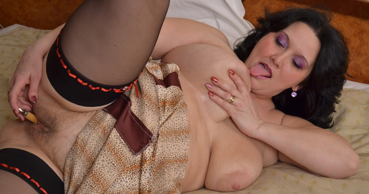 Strip sexy mature galleries sex sleeping busty