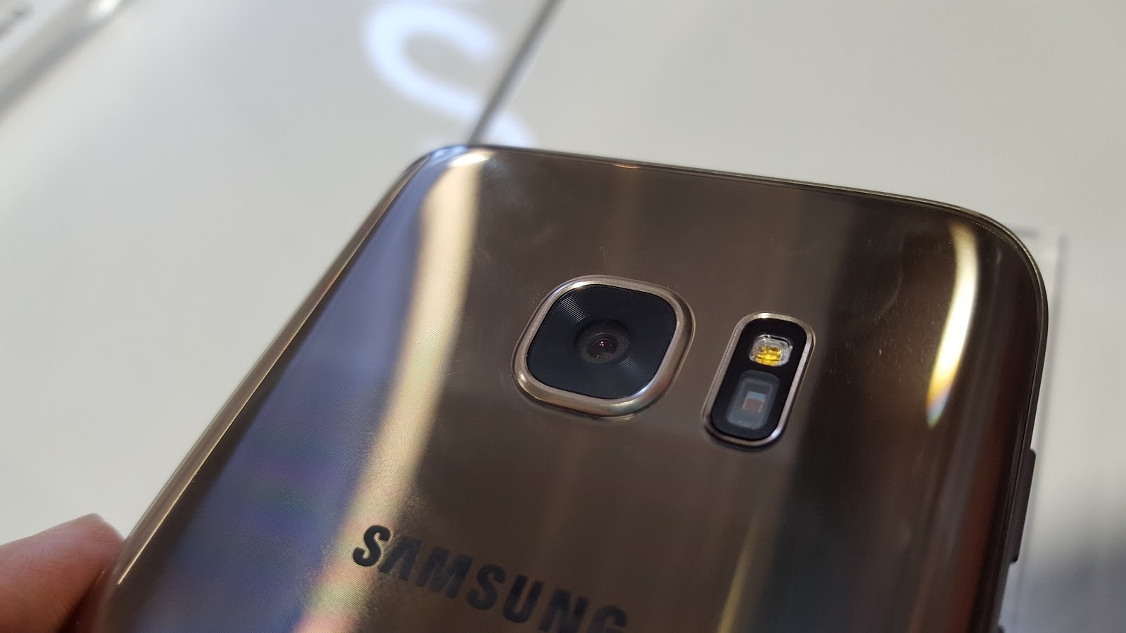 Eric's Corner: Galaxy S6 and Galaxy S7 Camera Shoot Out