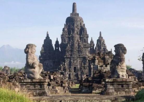 Sejarah Lengkap Kerajaan Mataram Kuno, Raja, Peninggalan, Kehidupan Politik, Masa Kejayaan dan Keruntuhan Kerajaan Mataram Kuno
