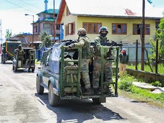 जम्मू-कश्मीर के कुपवाड़ा में आतंकी हमला, CRPF के 3 जवान शहीद
