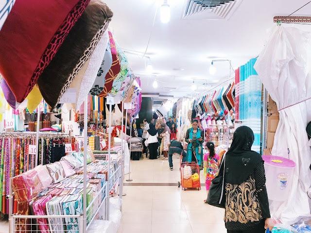 Mua sắm tại khu phức hợp Joo Chiat Complex