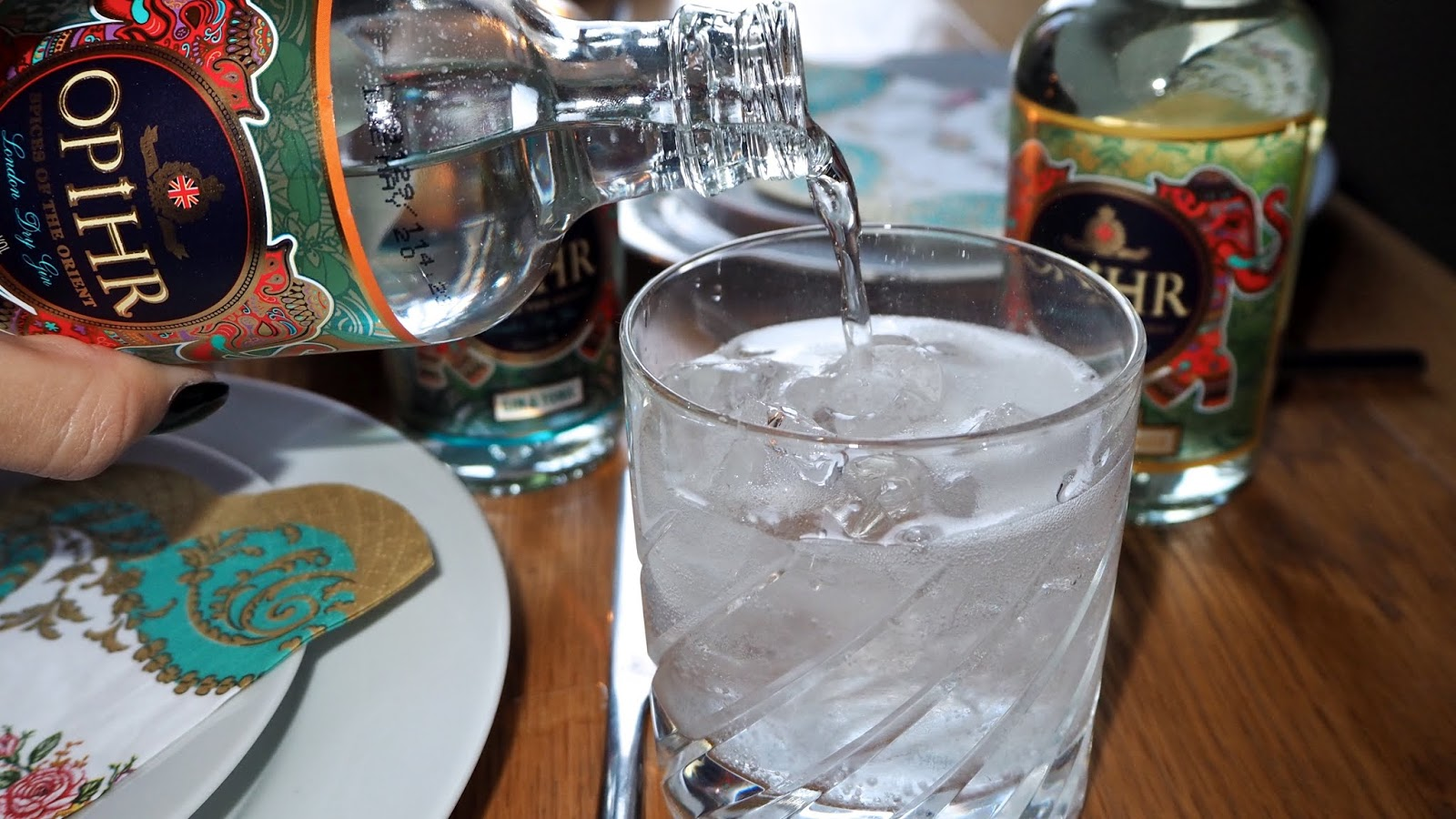 bottled gin & tonic