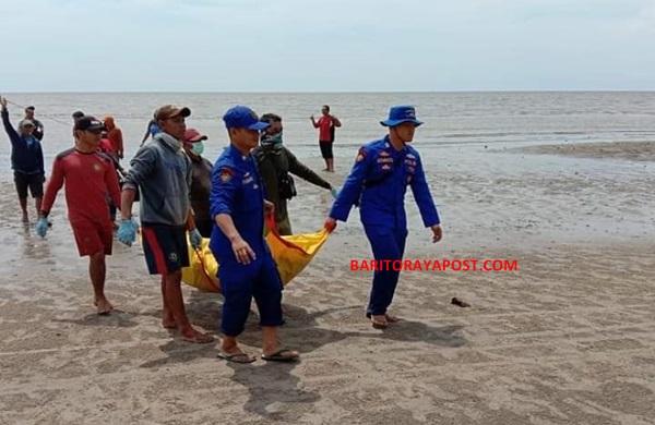 Dua Orang Pencari Ikan Dikejutkan Penemuan Mayat Tanpa Identitas di Pinggir Pantai
